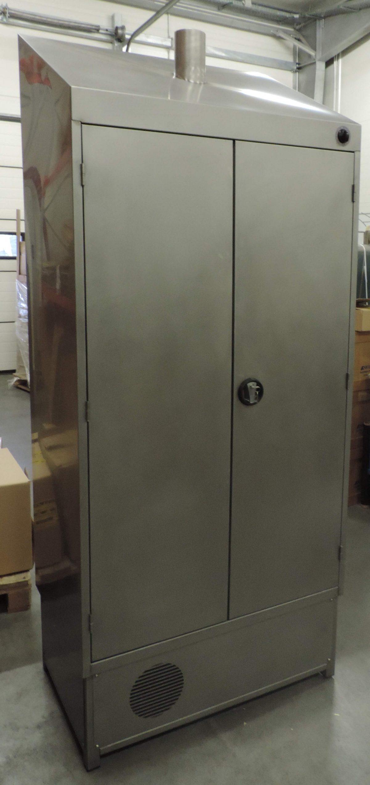 WH19.12-w-szafie-4-1200x2544.jpg